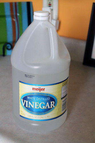 03 White Vinegar