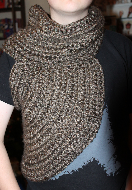 Crochet Vs Knit Scarf : Crocheting v Knitting - for the Layperson - wonderstrange arts