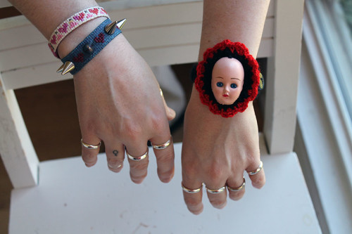 http://www.wonderstrange.com/wp-content/uploads/2014/05/Doll-Head-Bracelet-Feature-Shot-500x333.jpg